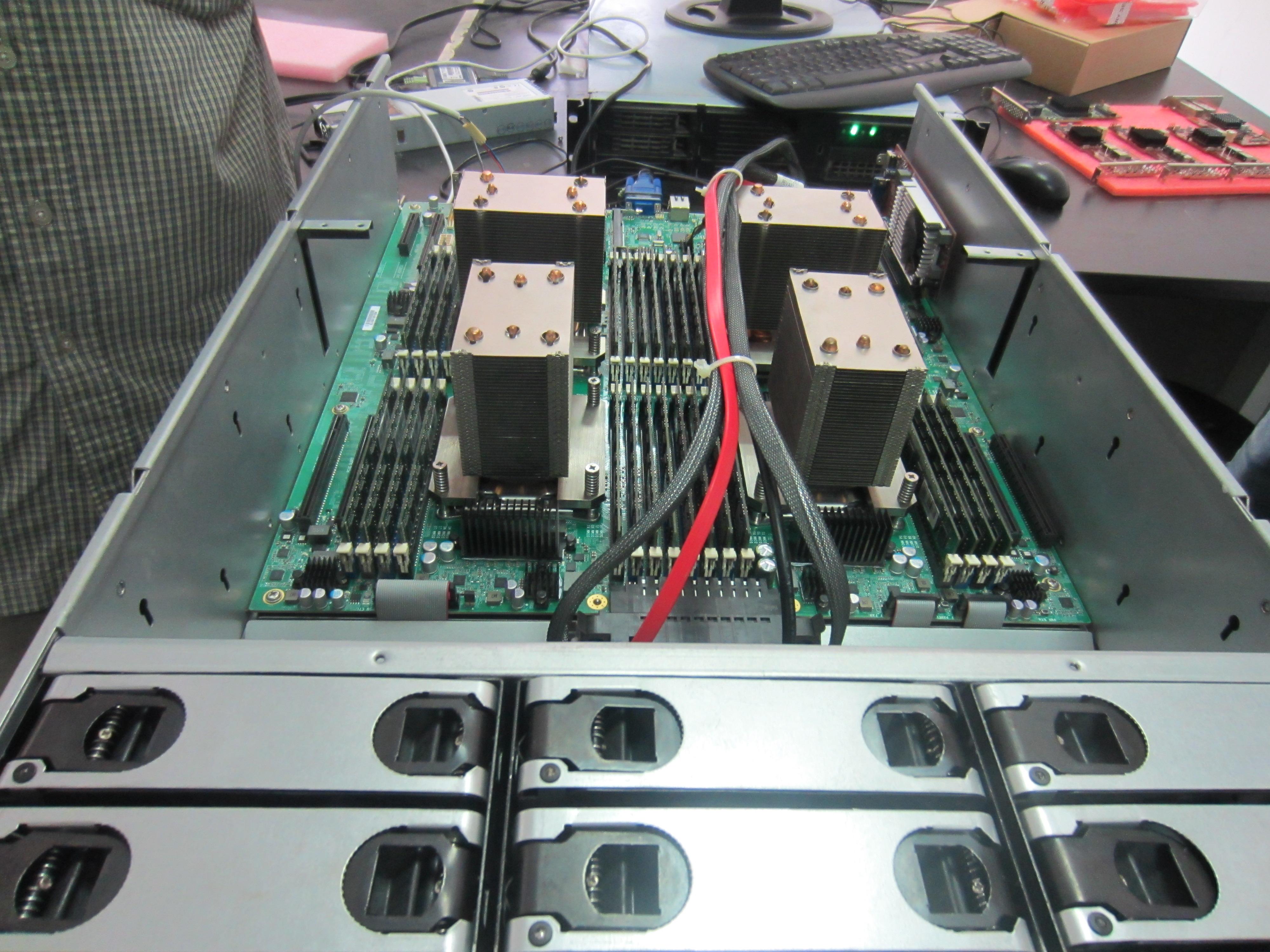宝德研究院自主研发的四路服务器